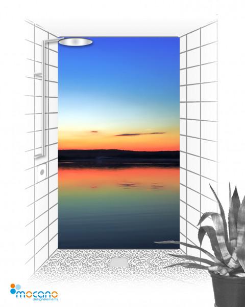 Sonnenuntergang am See 120x210cm Duschrückwand - Wohnbeispiel