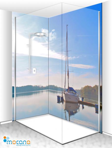 Duschrückwand Eck-Set Seeblick mit Segelboot 200x210cm - Wohnbeispiel